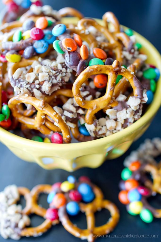 Chocolate and Candy Dipped Pretzels...a great after school snack! | My Name Is Snickerdoodle