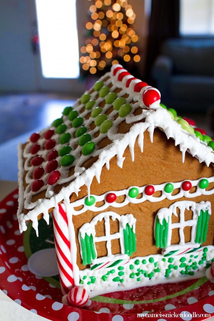 Stress free tips for making a christmas gingerbread house my name super adorable christmas gingerbread house some fun stress free tips too my solutioingenieria Choice Image