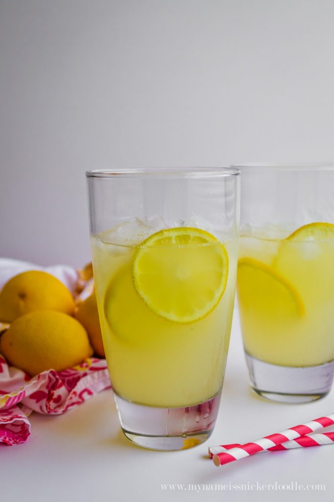 Here's a freshly squeezed lemonade recipe that's super simple and totally quenching!  |  My Name Is Snickerdoodle