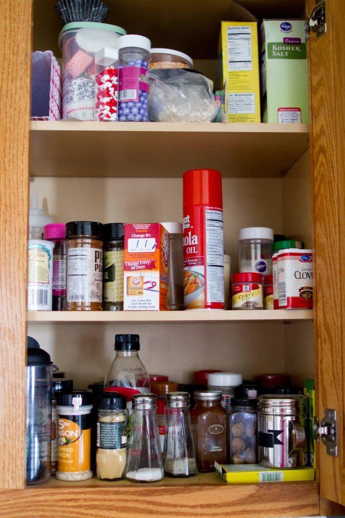 Find out how to inexpensively organize your spice cabinet!  |  My Name Is Snickerdoodle