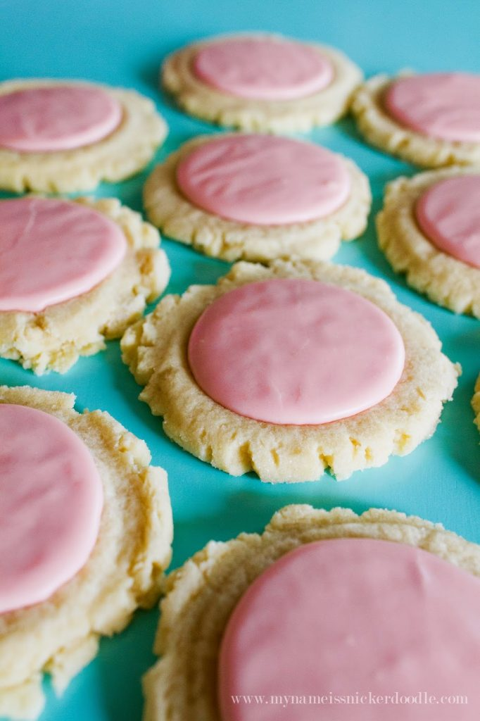 Swig Style Cookie Recipe.  These sugar cookies with pink frosting are irrestible!  |  My Name Is Snickerdoodle