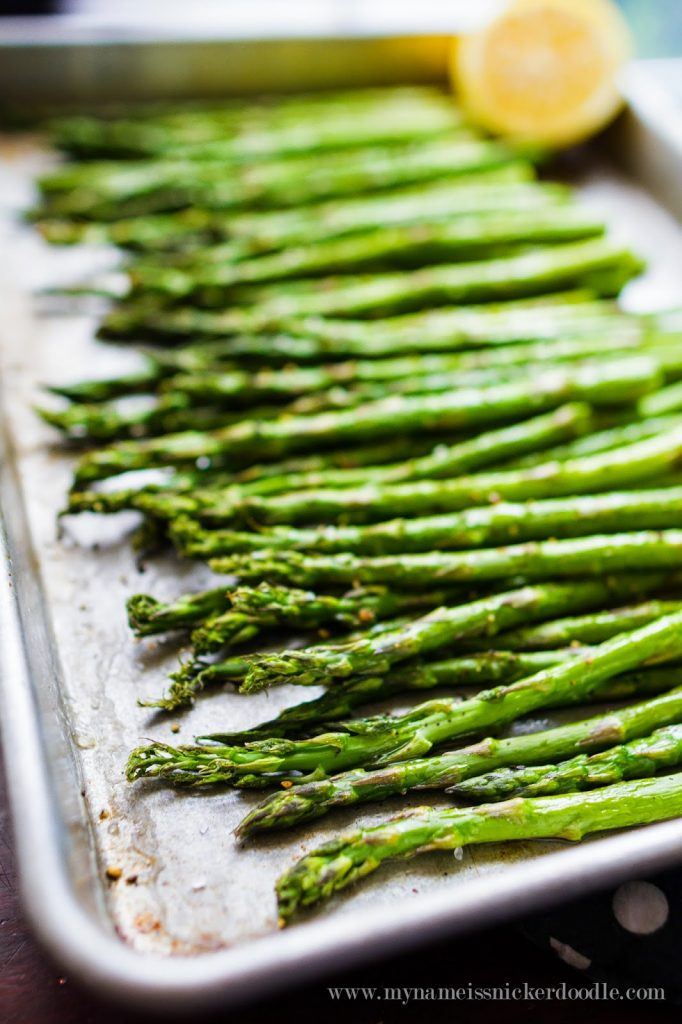 Totally easy and simple roasted asparagus that only takes minutes to prepare and cook!  |  mynameissnickerdoodle.com