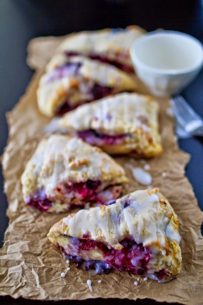 https://www.mynameissnickerdoodle.com/2014/06/berry-scones.html