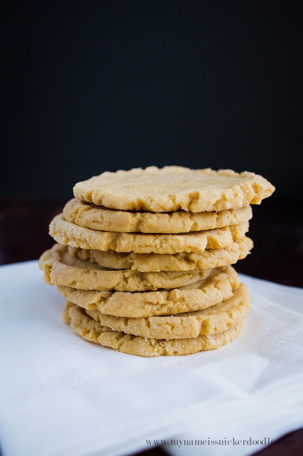 Super simple and easy Peanut Butter Cookies! Soooo good! | mynameissnickerdoodle.com