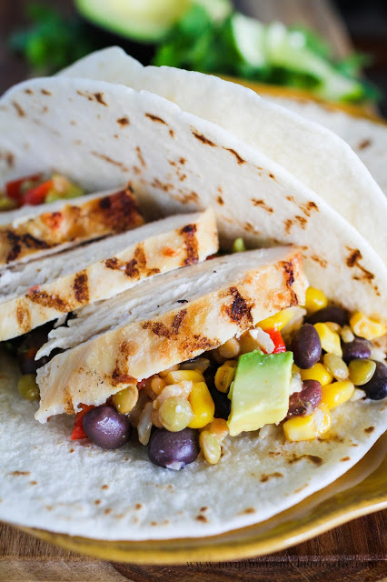Chicken Taco with an extra helping of protein! This can be made in 7 minutes and is super delicious! | mynameissnickerdoodle.com