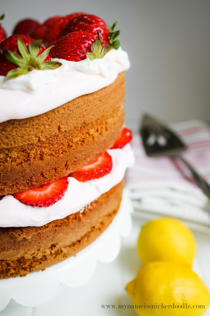 Amazing!!! This Strawberry Lemonade Cake would be perfect for any spring or summer party! | mynameissnickerdoodle.com