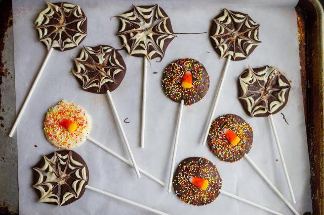 Super fun and super easy Halloween chocolate suckers! You can make them out of left over candy. | My Name Is Snickerdoodle
