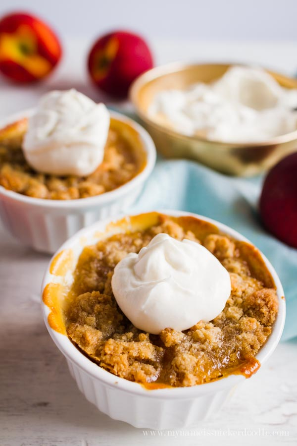 Mini Peach Crisps are super easy to make and taste fantastic! Especially with a scoop of ice cream! | mynameissnickerdoodle.com