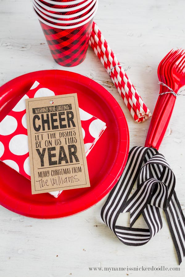 A super adorable Christmas Printable! This is perfect for practically everyone in your life who doesn't enjoy washing dishes! Makes for a great neighbor gift or teacher gift | mynameissnickerdoodle.com