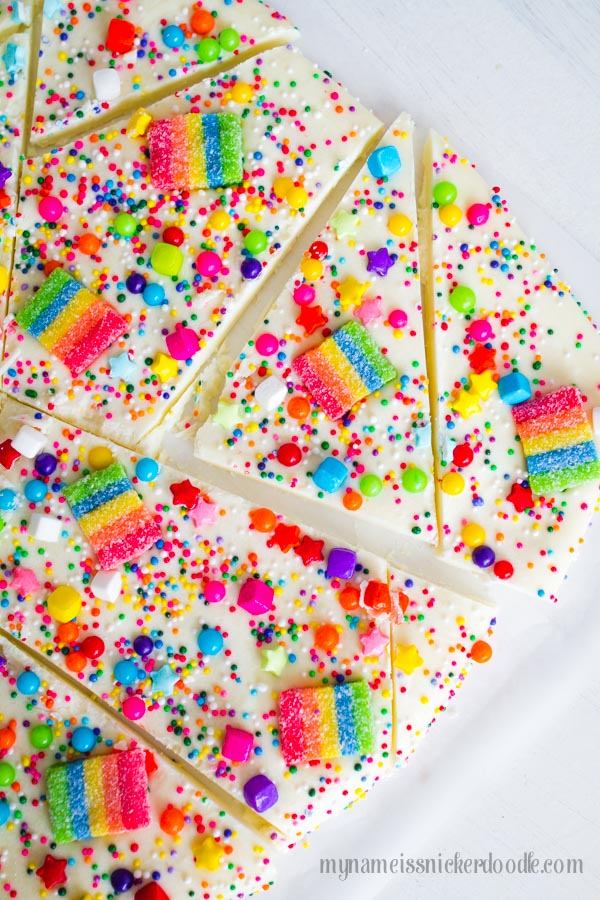 Oh my adorablness!  This Candy Rainbow Bark would be perfect for any birthday party to St. Patrick's Day!  Cheer up someone's day, too!|  mynameissnickerdoodle.com