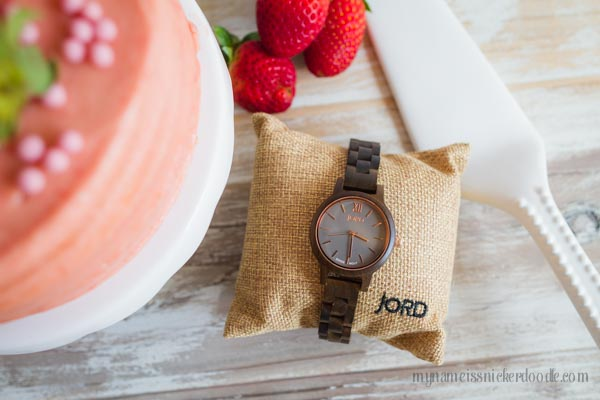 Gorgeous Wood Watch from Jord! Make sure to check out this giveaway!  |  mynameissnickerdoodle.com