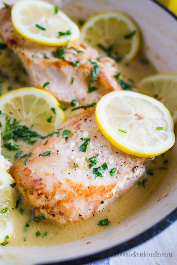 One Pan Creamy Garlic Lemon Chicken. Makes for a wonderful weeknight meal with super easy clean up! | mynameissnickerdoodle.com