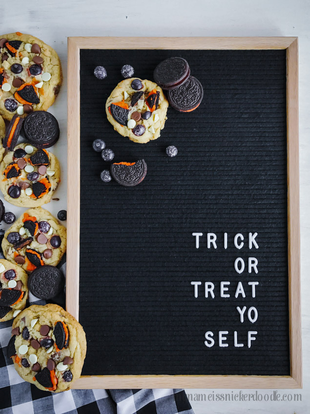 These Halloween Cookies and Cream Cookies are perfect for any party, after school snack or trick or treaters!  Trick or Treat Yo Self!   |  mynameissnickerdoodle.com